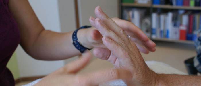 Ergotherapie-Glarus-Handrehabilitation-Neurorehabilitation